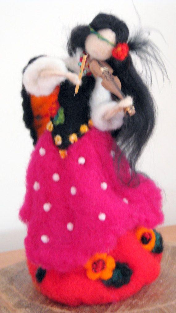 Muñeca muñeca Waldorf de la muchacha de la gitana de arte