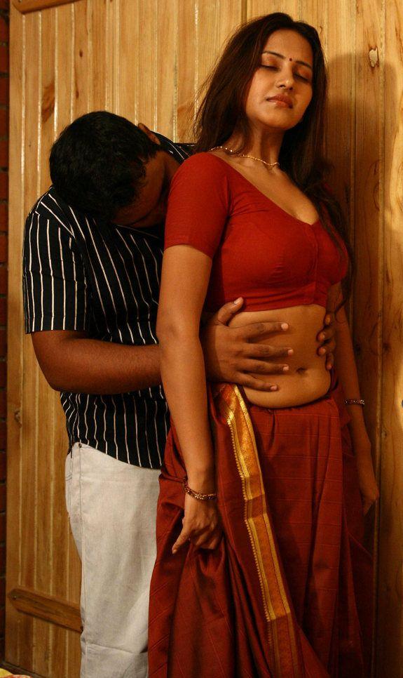 2d8621d2b2 hotmalluauntyinsareesex Desi Sexy Indian Aunty /Aunties Navel in Saree Blouse Bra