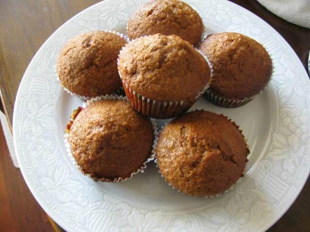 Pekmezli ve Zencefilli Muffin  -  Pınar Ergen #yemekmutfak.com Pekmezli ve zencefilli muffin çok lezzetli bir tariftir. İsterseniz zencefil yerine portakal kabuğu rendesi ve kuru üzüm kullanarak farklı bir lezzet elde edebilirsiniz.