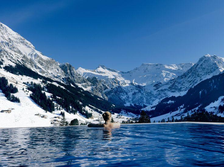Hotellien erikoisimmat uima-altaat