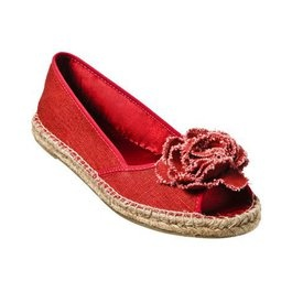 Only $7.48 for these cute red flowered espadrillesStyle, Red Flower, Mossimo Supplies, Red Shoes, Summer Shoes, Flower Espadrilles, Flats Shoes, Red Rose, Flower Espadrills