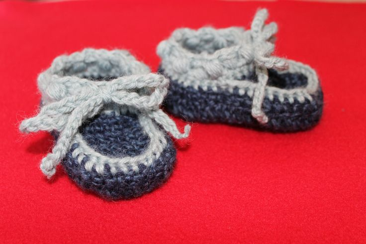 Mon Petit Violon everyday moccasins crochet boy http://www.ravelry.com/projects/FiddleDeeGreen/everyday-moccasins
