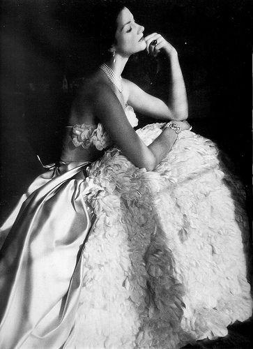 med-black white vintage photography - Henry Clarke.jpg (363×500)