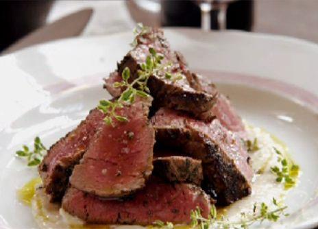 Rostbiff med potatis och yorkshirepudding | Recept.nu