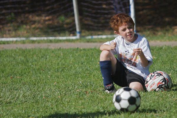 De 6-jarige Jordi Tammens uit Spijkenisse is hard op weg om de toekomstige ex van Sylvie Meis te worden. Het voetbaltalentje droomt van een verbroken relatie met een echte voetbalvrouw. Jordi is dagelijkste vinden op het voetbalveld. Het talentvolle spitsje van RKVVHard Vooruit'28 traint voor zijn loopbaan als ex van Sylvie Meis. Jordi begrijpt dat daarvoor meer nodig is dan [...]