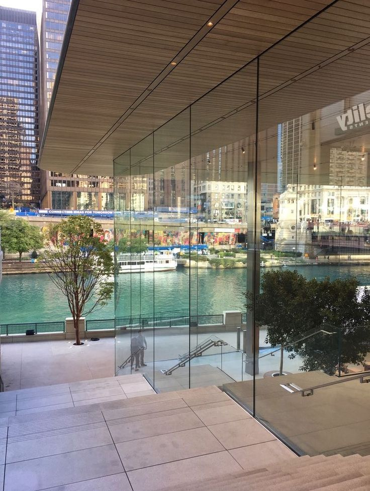 Apple Store Michigan Avenue Chicago (With images) Retail