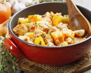 Sauté de dinde au potiron minceur au Thermomix® : http://www.fourchette-et-bikini.fr/recettes/recettes-minceur/saute-de-dinde-au-potiron-minceur-au-thermomixr.html