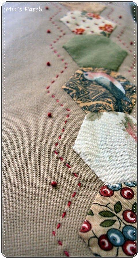 Las máquinas de coser parecen estar de moda y nuestras alumnas se están animando a darle más importancia al cuarto de costura y a sus máqui...