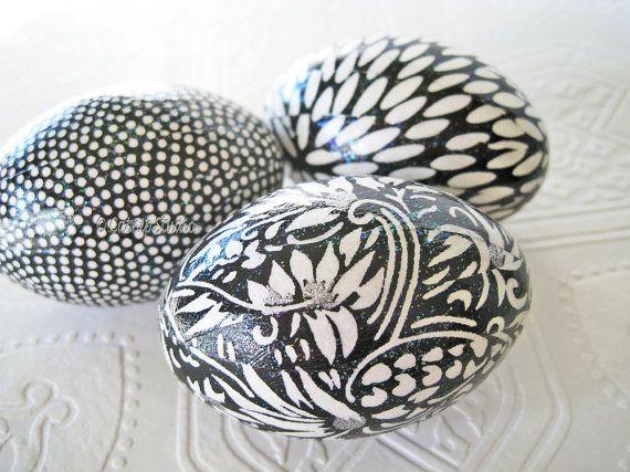 Easter Eggs, Black Easter Eggs, Black and White Easter Eggs, glitter decoupage eggs, decoupage eggs, origami eggs