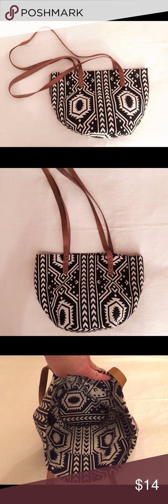 ❤️H&M DIVIDED Black White Ikat Aztec Tote Bag❤️ ❤️H&M DIVIDED Black & White Ikat Aztec Shoulder Tote Bag❤️ 