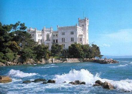http://castelli.qviaggi.it/images/stories/jreviews/195_castellomiramaretrieste_1194800432.jpg