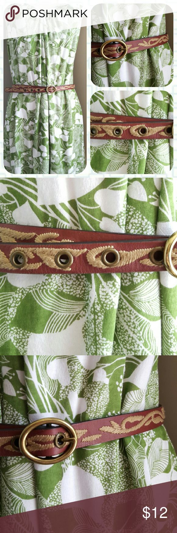 Banana Republic Vinery Leather Skinny Belt Banana Republic brown skinny belt with tan embroidered vines. Face is genuine leather, back is synthetic leather. Five holes with gold buckle. Size medium. Like new with no flaws. <3 Banana Republic Accessories Belts