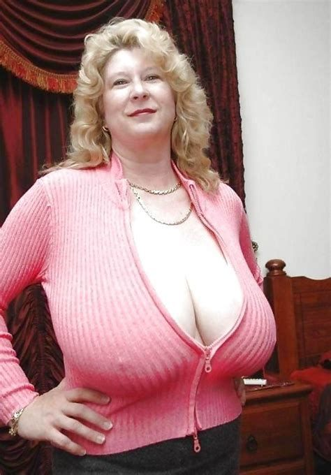 Pin On Mature Natural Busty Women-4170