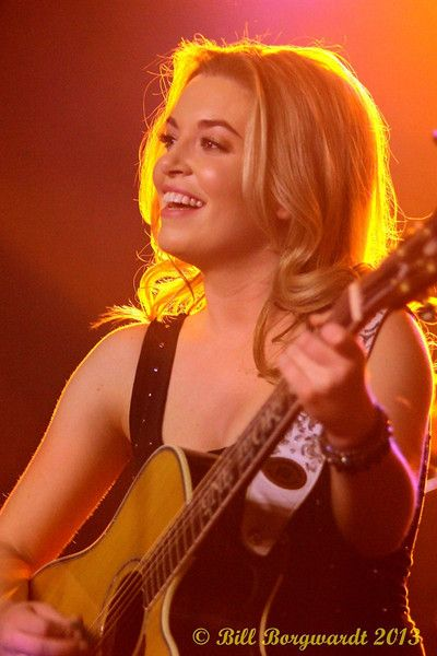 Britt McKillip from One More Girl performing at the Ranch Roadhouse in Edmonton, Alberta, in 2013 (Bill Borgwardt Photography)