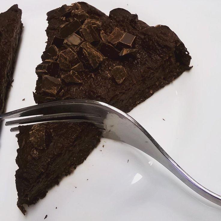 Cukkini brownie - NAGYON JÓ (KISSÉ LÁGY, TÖBB LISZT)