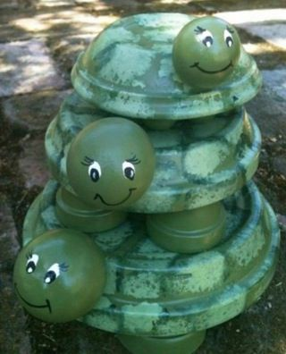 Terra Cotta garden turtles DIY Terracotta Pot Turtles That Look Cute