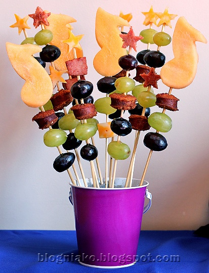 sausage, fruit and cheese kabobs-I love the music note on top. Maybe I can do this for a bake sale for band.