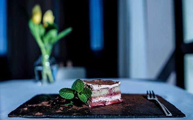 Sweet Deser Ciasto Domoweciasto Dokawy Food Foodporn Hotellife Hotellovers Restaurant Restauracja Nowytarg Hotelgorach Casa Food Desserts Brownie