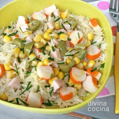 Aquí tienes muchas ideas para hacer ensaladas de arroz con diferentes ingredientes a tu gusto, te dejo muchas mezclas y combinaciones y las salsas que, a mi entender, le van mejor a cada una.