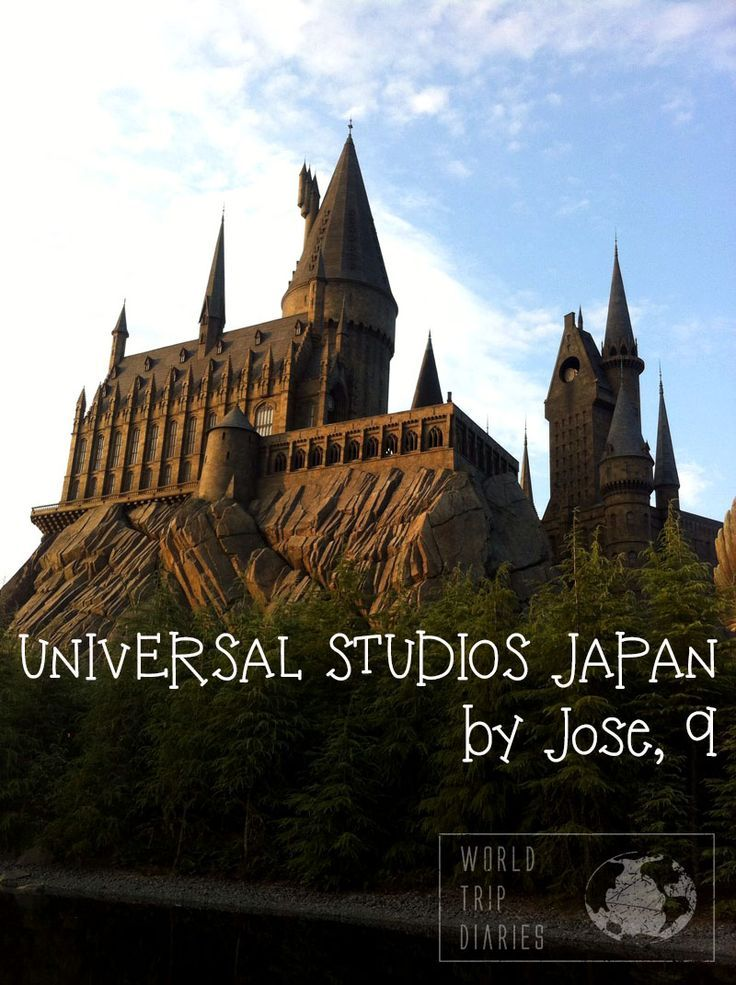 The view of Jose, 9, on our visit to Universal Studios on Halloween - World Trip Diaries