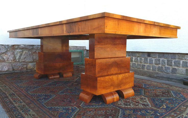 Velký stůl Art Deco.