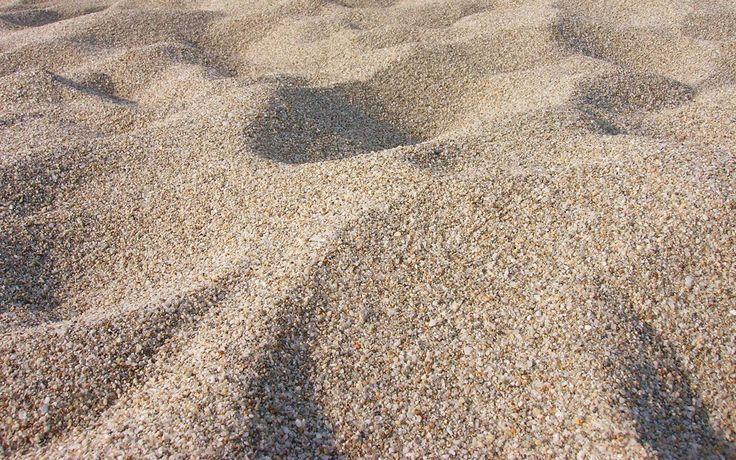 essie liebt sonnige Tage am Strand, südliche Lebensfreude und natürlich sand tropez - unsere Farbe des Monats Mai.  Mehr von uns findet ihr auf: instagram.com/essiedeutschland