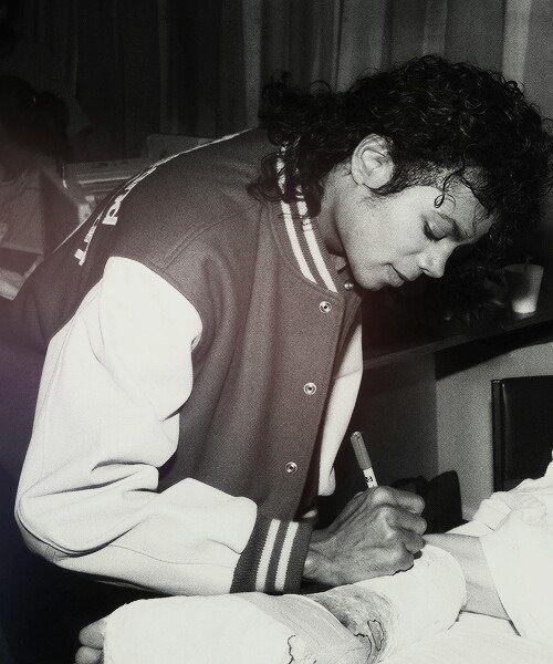 17 Best Ideas About Michael Jackson Autograph On Pinterest