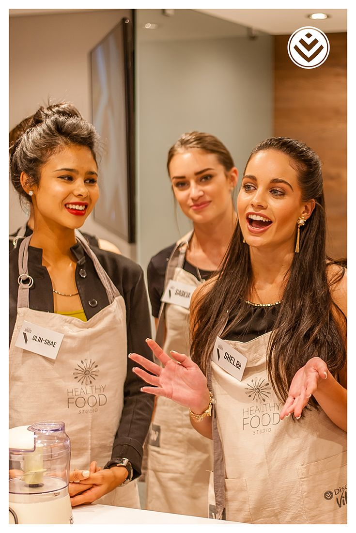 This Women's Month join us at the #HealthyFoodStudio for a special Girls' Night Out cooking course. Book this course and bring a friend for FREE: http://discv.co/HFSGirlsNight
