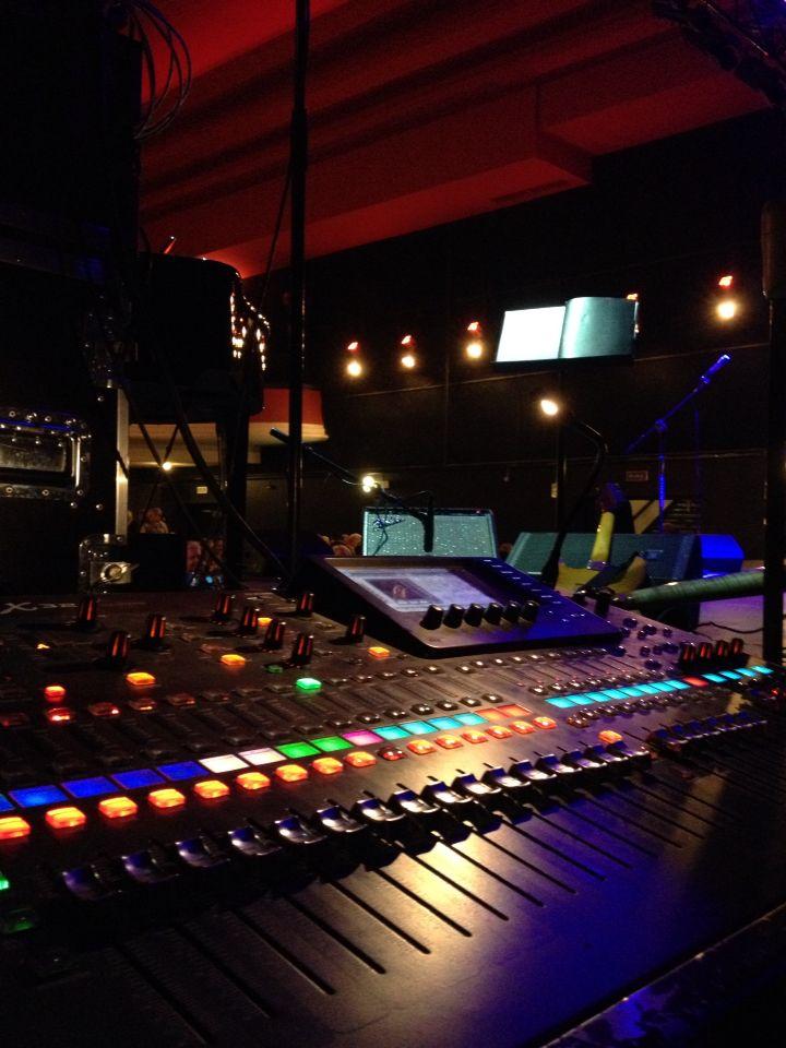 MON (live sound) @ Palladium Theatre