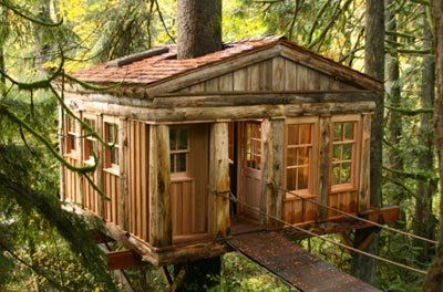 Joanna Goddard finds great travel destinations in her blog, a magical treehouse in Washington.