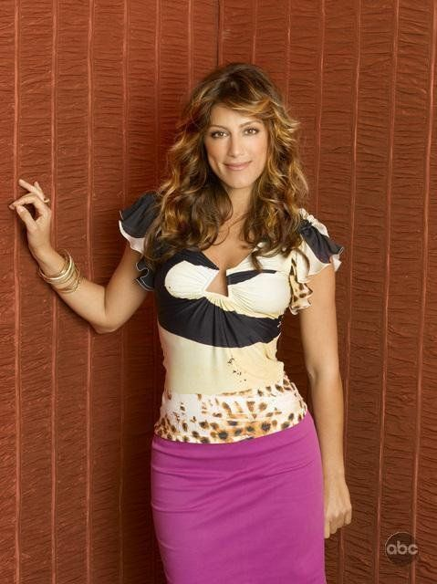 "Jennifer Esposito (USA, 11 April 1973, 5' 6"" -1.68m-) in Samantha Who? (2007)"