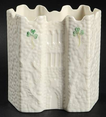 "*have* Belleek Pottery (Ireland) Shamrock 5"" Castle Vase 2003 Event Piece"