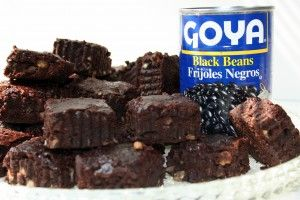 [black bean brownies with can photo]