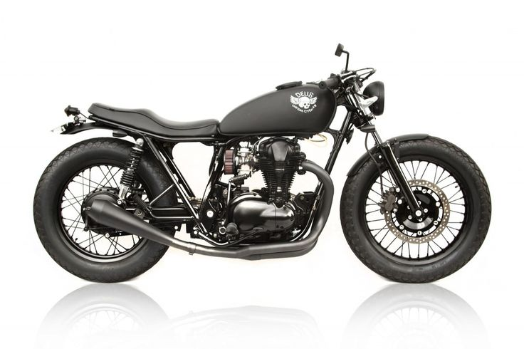 """Le Gicleur Noire is French for """"always bet on black"""", it's also the (rather fitting) name chosen by Deus Ex Machina for this beautiful new Kawasaki W650 custom."""