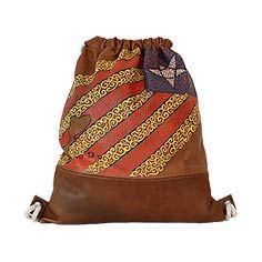 Bossa d'esquena de cuir amb estelada feta amb filigranes