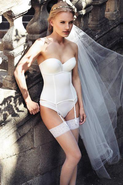 Todas las tendencias en lencería para novias 2016 Image: 28