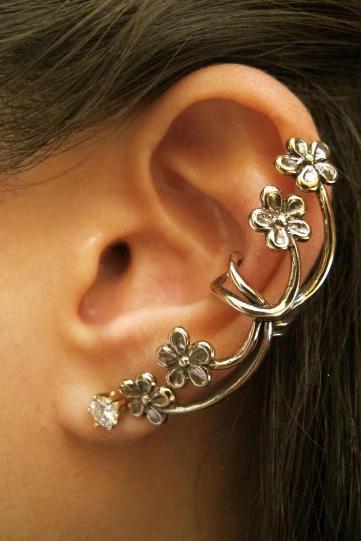 Multiple Flowers Ear Cuff