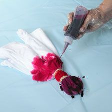 How to Create Heart Shaped Tye-Dye Shirts, wish I would've looked this up in the past!