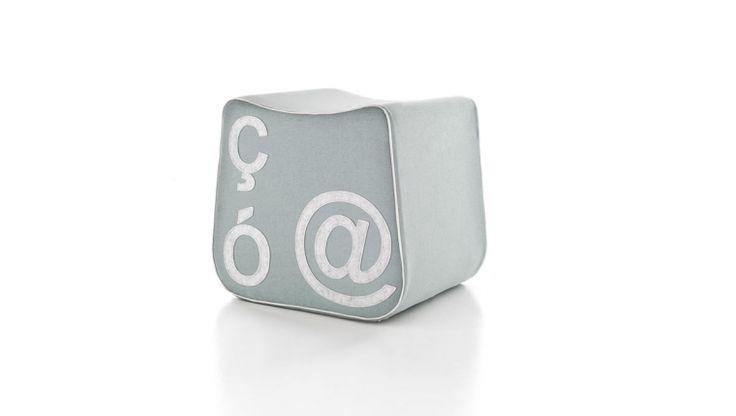 Pi'gio / pouf / design Lucio Curcio / Formabilio