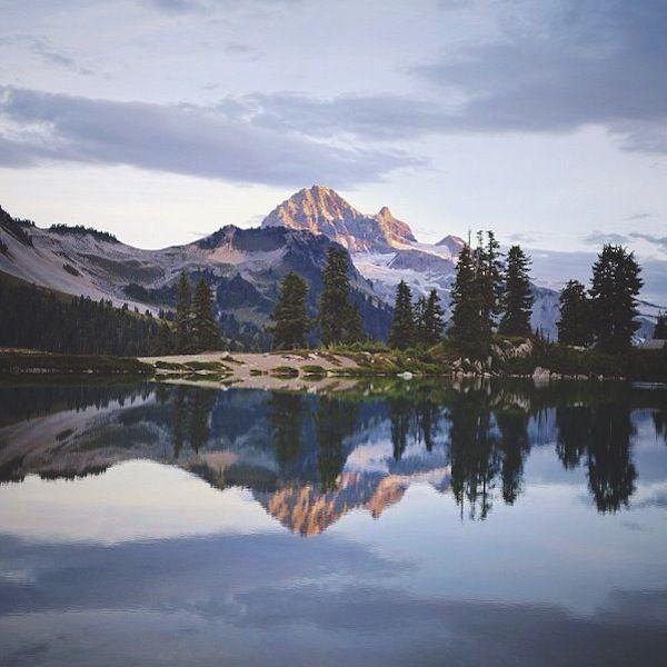 elfin lakes trail: