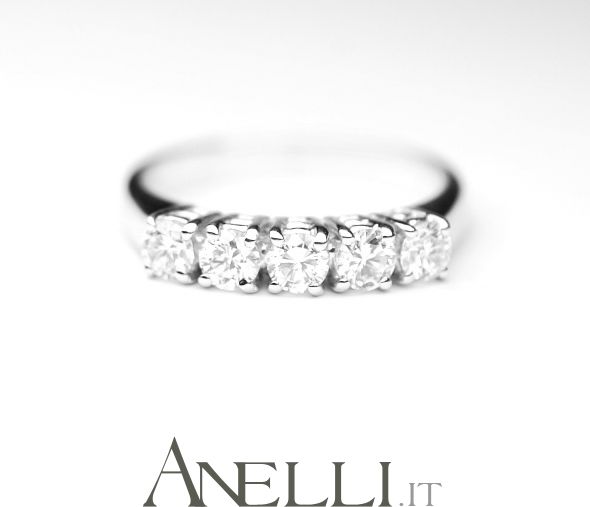 #regalidinatale http://www.anelli.it/it/anelli-verette-o-fedine/fedina-5-diamanti-0-75-ct.html