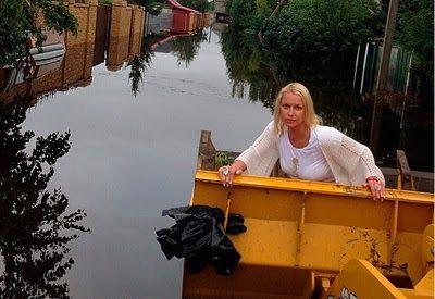 Волочкова выложила в соцсети циничные снимки на фоне затопленного Приамурья - Театр абсурда