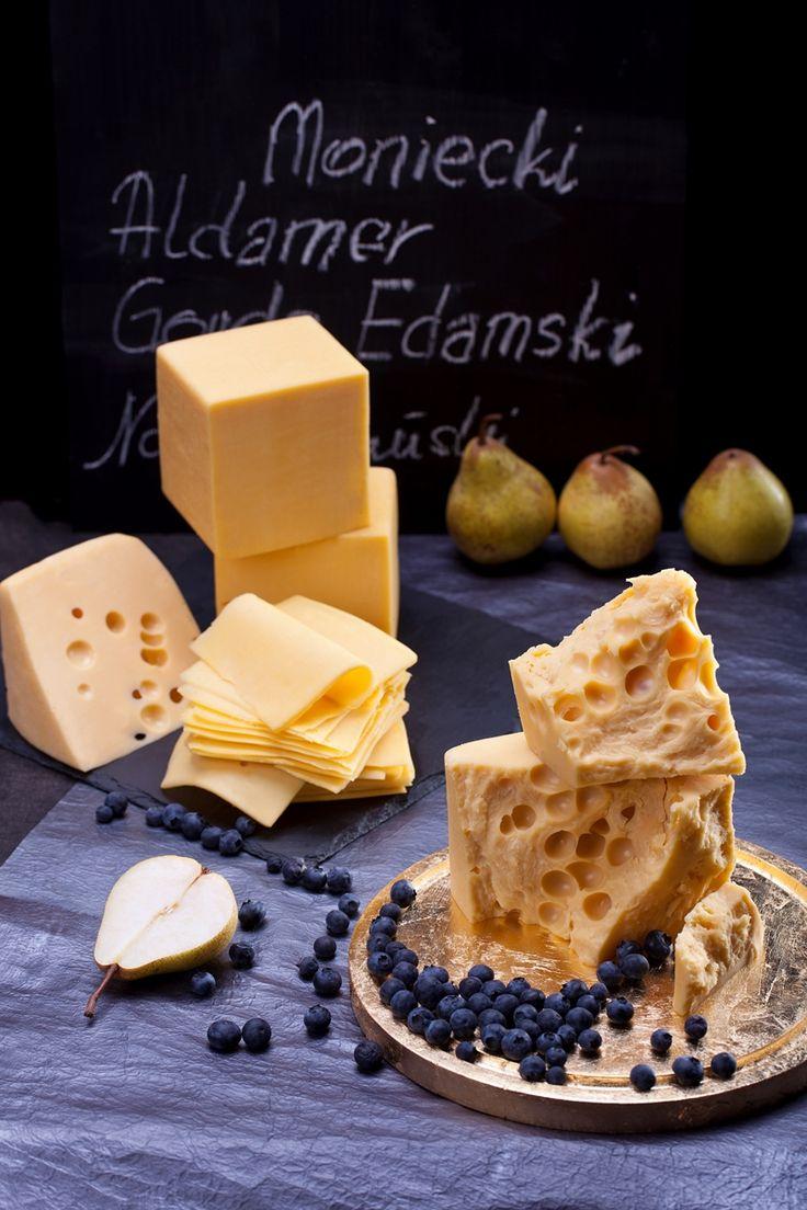 Kuchenne triki z serem żółtym! Czy wiesz co zrobić, jeżeli ser zeschnie? Wlej do naczynia zimne mleko, zanurz w nim kawałek sera i odstaw na godzinę lub dwie. Ser będzie jak nowy!