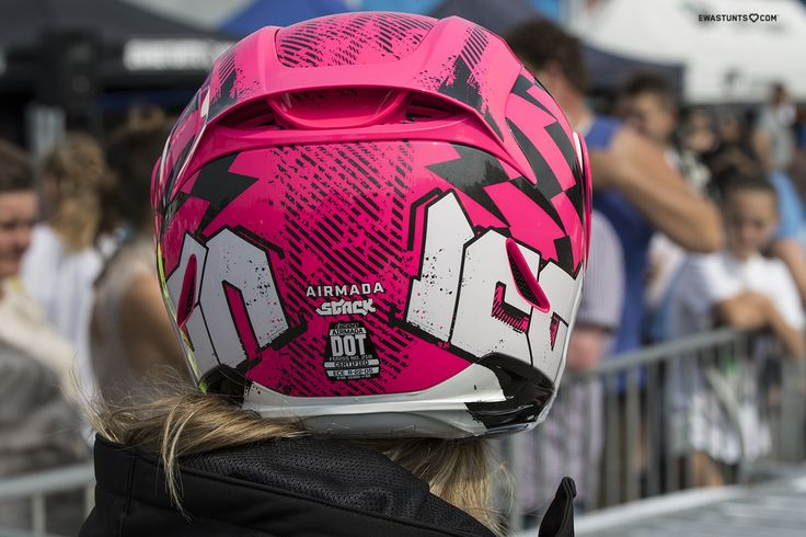 I'm happy owner of the sexy #IconMotosports Airmada Stack! #rideamongus #IwantIcon #rideicon #iconhelmet #unicorn #stuntgirl