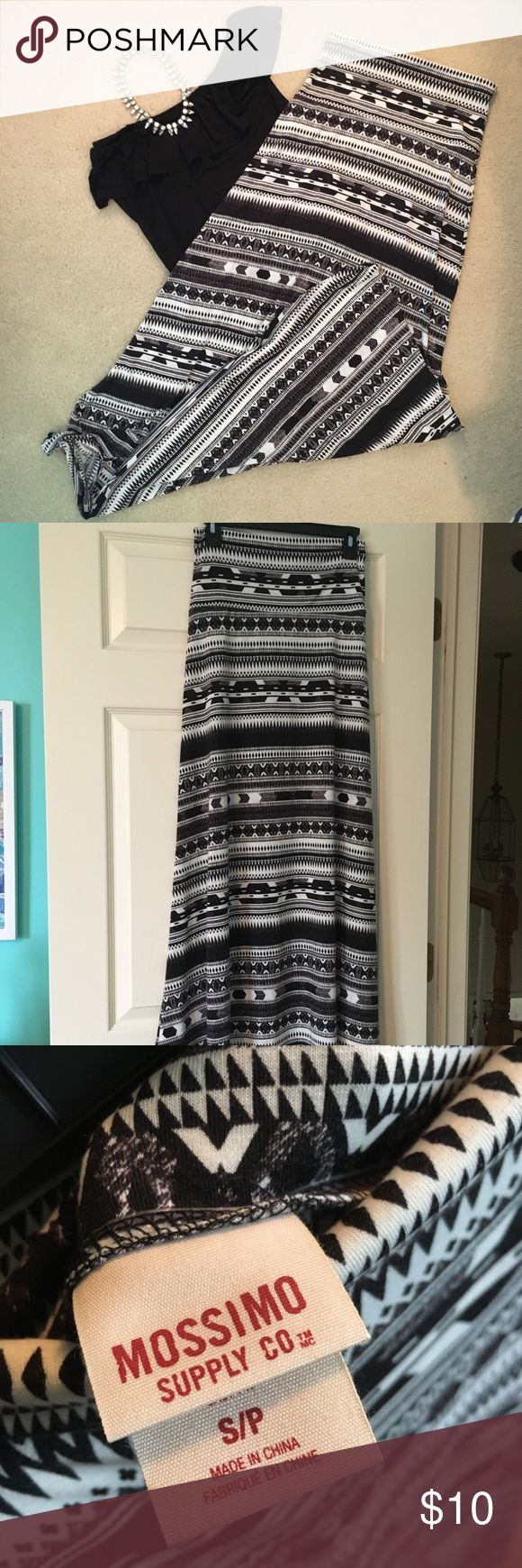 Target- Mossimo Tribal Maxi Skirt This fun maxi skirt is perfect for almost any occasion! Would look cute with a jean jacket or colored crop top!  95% polyester 5% spandex Width- 13 inches Length- 42 inches   Says small but could fit a medium!  Let me know if you have any questions or offers(: Mossimo Supply Co Skirts Maxi