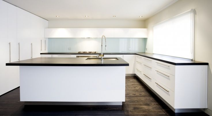 The glass splashbacks we offer comes with durability and are perfectly suitable for wide range of applications for the interior use of your home.