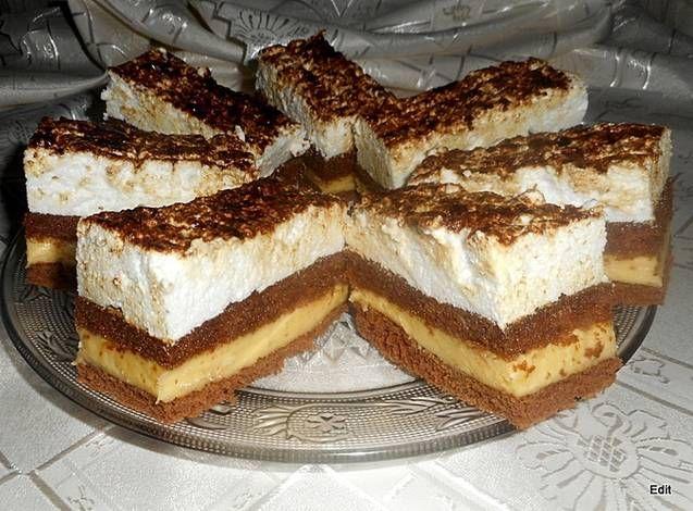 Nescafés, krémes sütemény
