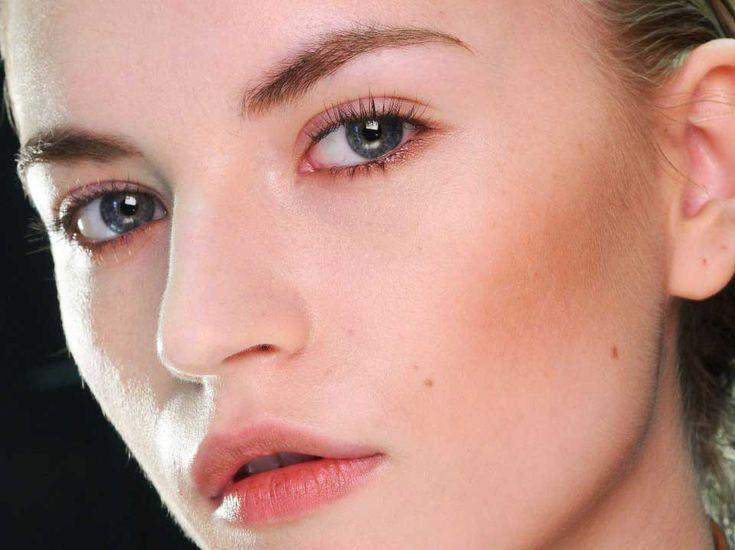 Φυσικό μακιγιάζ: Tips για να το πετύχεις - ediva.gr http://www.ediva.gr/fisiko-makigiaz-tips-teleio-kalokairino-make-up/#.U2O3Gvl_sgE