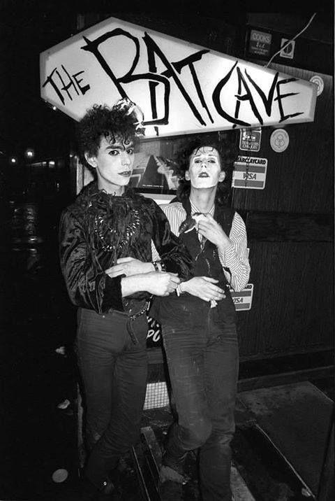 The batcave club in London en 2019   Mouvement gothique ...  The batcave clu...