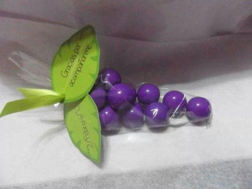 dulces en conos de celofan14